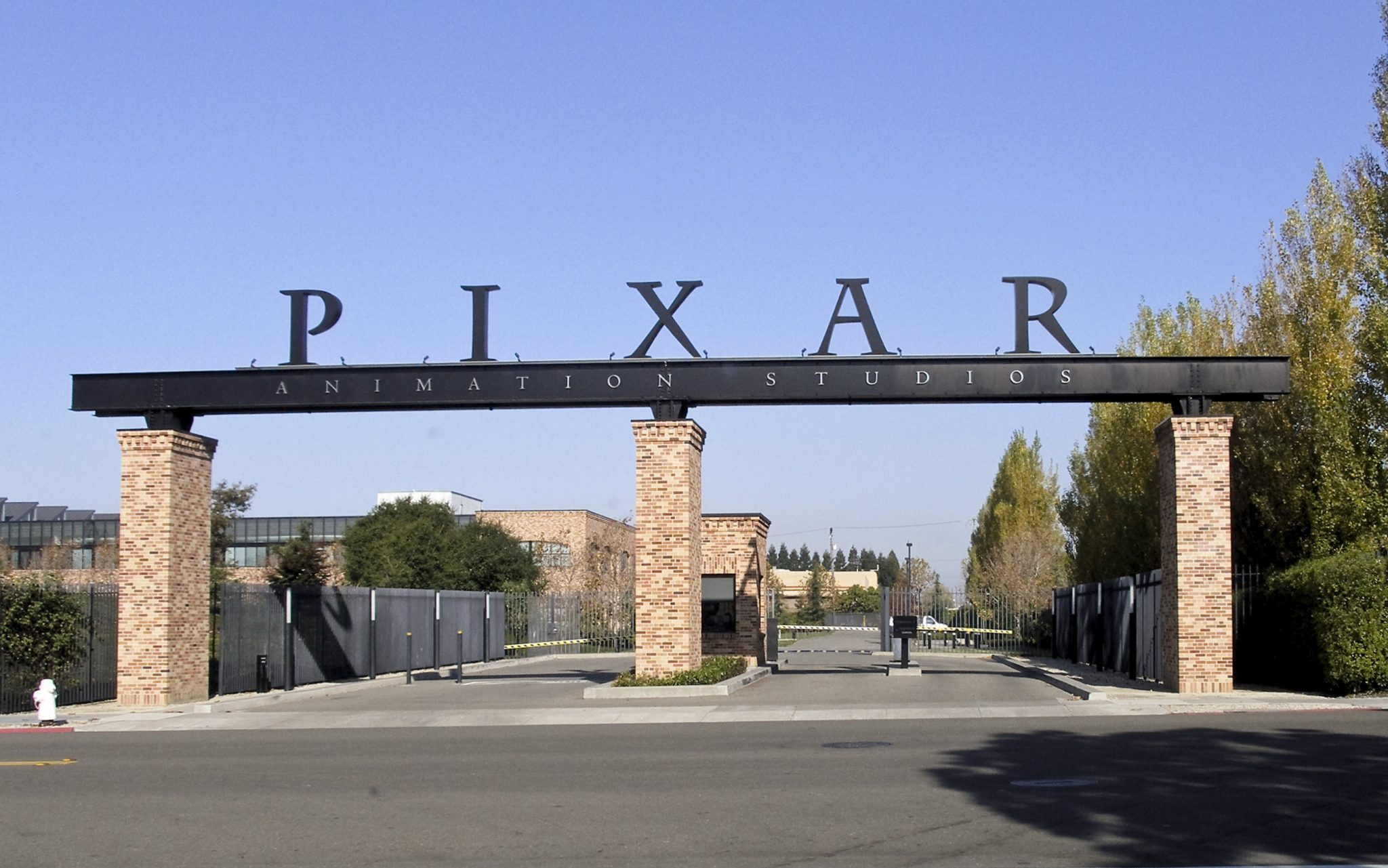 ResortLoop.com Episode 408 – We Talk With Pixar On Our 4th Anniversary!!!