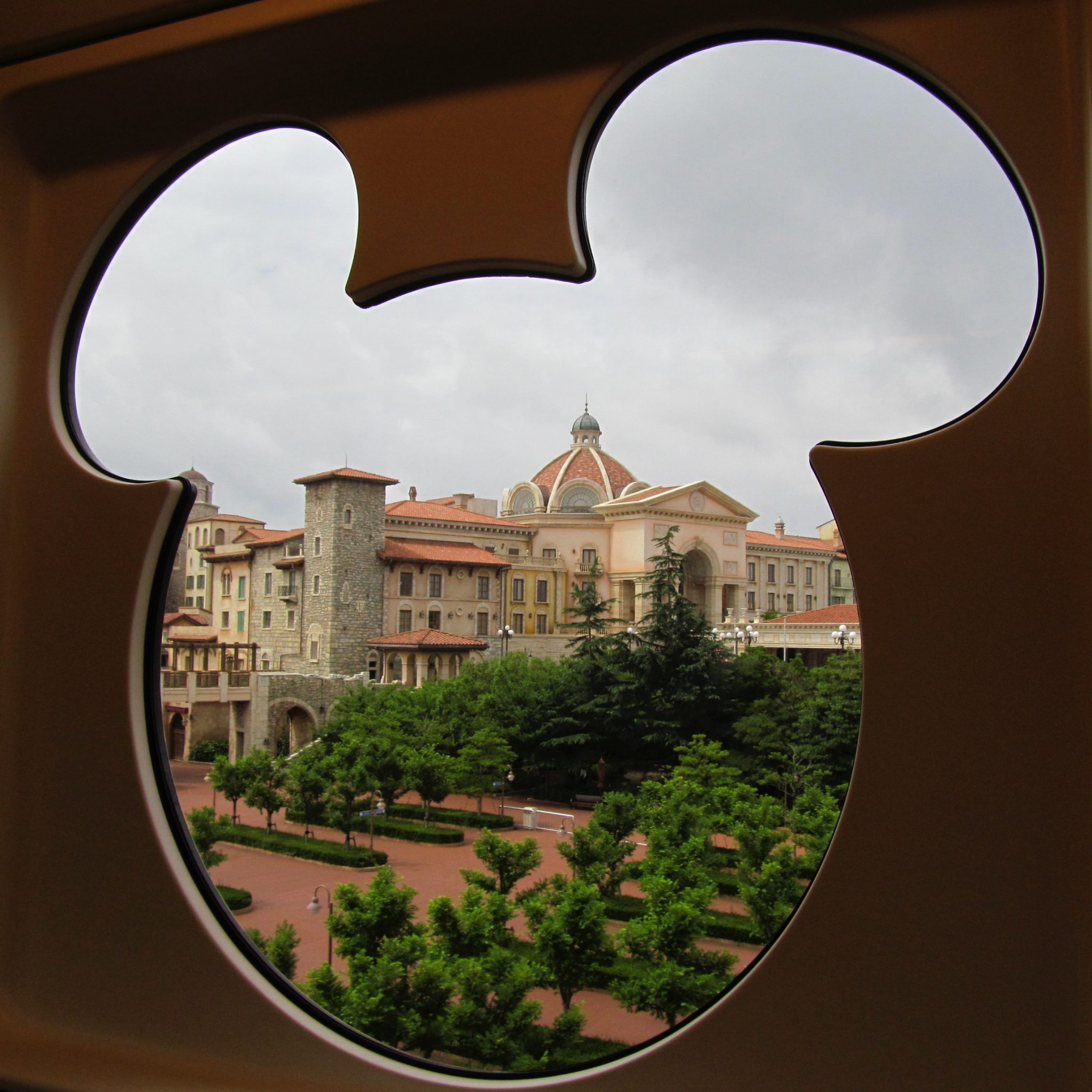 ResortLoop.com Episode 472 – A Trip Report: Every Disney Park Around The Globe
