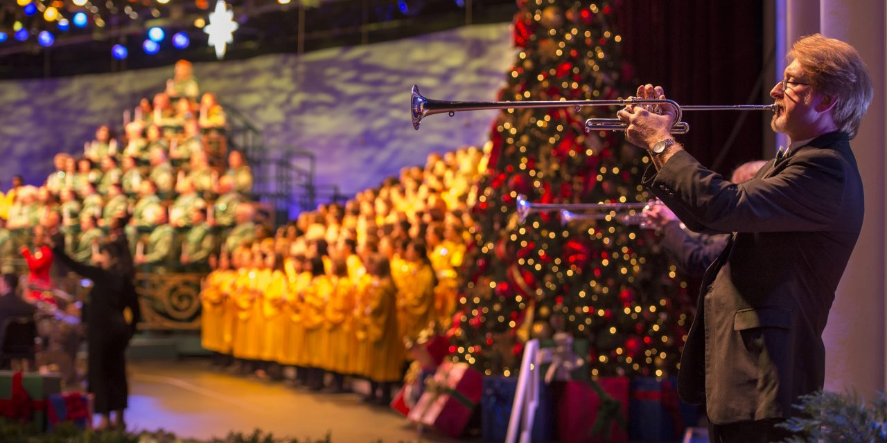 ResortLoop.com Episode 666 – Singing In The Candlelight Processional!